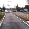 F3508<br /> Het kruispunt bij Sassenheim noord. Rechtsachter staat villa Hyacintha, in 1938 gebouwd door aannemer C. Kiebert voor de familie Van Reisen. Het werd later een gezinsvervangend tehuis (begeleid wonen). Foto: 2014