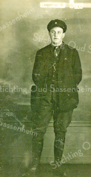 F3770<br /> Adriaan Schrama (5 januari 1895 - 27 september1946).
