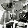 F1494 <br /> Brand bij de fam. P. Meeuwissen aan de Charbonlaan nr. 22 in september 1991. De oorzaak was het ontbranden van een frituurpan.