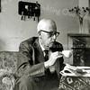 F2639<br /> P. Westerbeek sr. in zijn woning aan de Parklaan. Hij was de vader van de latere wethouder, die ook Piet Westerbeek heette.