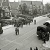 F1029 <br /> September 1944. De Duitse bezetters lopen in de Hoofdstraat nabij de Molenstraat. Waarschijnlijk op Dolle Dinsdag gefotografeerd, vanuit het huis van de fam. Dijkstra. Foto: 1944.