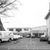 F4124 <br /> Autodealer van de week, garage Willem Bakker aan de Hoofdstraat in Sassenheim. Foto: 15-1-1994