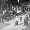 F0720b <br /> Het eeuwfeest 1813-1913, het onafhankelijkheidsfeest. De herdenking van de bevrijding van de Franse overheersing door Napoleon (8 sept.1813).  De feestelijkheden werden gehouden op 17 en 18 september 1913. Links is nog een stukje te zien van Casa Reale.