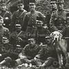 F3485<br /> Militairen (eerste wereldoorlog) in de ruïne van Teijlingen. Foto: ca 1914