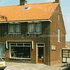 F1997<br /> Het pand aan de Lindenlaan nr. 1a, waar vroeger bakker B. Oorschot woonde en zijn winkel had.