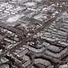 F3610<br /> Luchtfoto. De kruising Zandslootkade (de bomenrij) en de Hoofdstraat. Rechtsboven is de r.-k.kerk St.Pancratius te zien. Linksonder vlnr: de villa's Nancy; Linquenda (afgebroken in 1985 om plaats te maken voor de aanleg van de Koetsiersweg) en Even Buiten. Foto:  voor 1981
