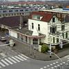 F3847<br /> De villa 'Even Buiten' met het karakteristieke torentje aan de Hoofdstraat, gebouwd in 1905. Thans (2015) is hier makelaarskantoor Berg ERA gevestigd.