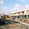F4339a<br /> Nieuwbouw langs de Bijweglaan op de plek waar de Kringloopwinkel heeft gestaan. Foto: 2002
