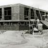 F2292<br /> Nieuwbouw van Drukkerij De Gruijter tegenover de St. Bernardus. Het gebouw werd officieel in gebruik genomen op 29 september 1961.