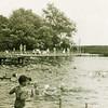 F3949<br /> Het voormalige zwembad aan de Willem Warnaarlaan
