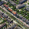 F2345<br /> Luchtfoto van Sassenheim. De Zandsloot loopt van rechtsonder naar linksboven, gaat onder de Oude Postbrug door en loopt dan verder door naar de Kagerplassen. Aan weerszijden van de Zandsloot zien we de Postwijkkade en de Zandslootkade. In de linker bovenhoek de Hoofdstraat.