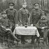 F3369<br />  De gebroeders Van Breda tijdens de mobilisatie 1914-1918. Vlnr: Adriaan (A.G.J.C.) van Breda; Max van Breda; Reel van Breda; Wim van Breda en Karel van Breda.