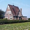 F3533<br /> Het huis staat op Hoofdstraat 61 en is bewoond (2014) door J.W. de Jong. Het staat schuin tegenover de Wasbeekerlaan.