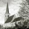 F2134<br /> De Ned.-herv. kerk (Dorpskerk) na de restauratie van 1973. De kerk is een rijksmonument.