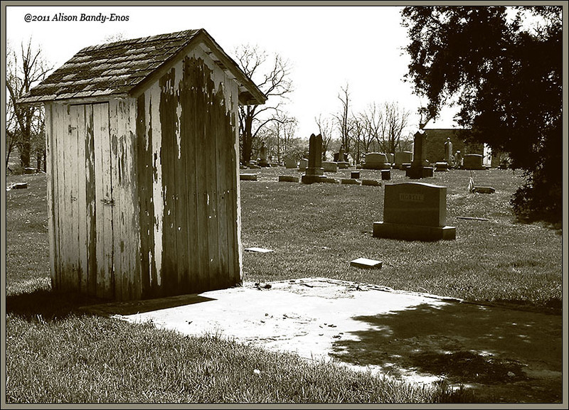 A cool little shed that is in a cemetery north of Lebanon OH.<br /> (2004-04-18 CRW0294 US22 Cemetery )