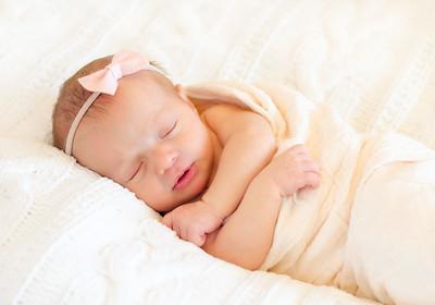 Alice Newborn-25