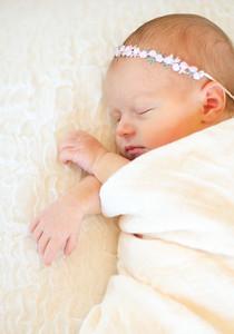Alice Newborn-22