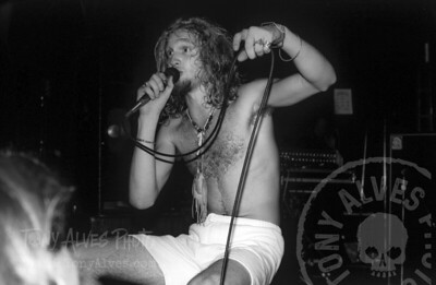 Alice-In-Chains-1990-10-23-BW_04