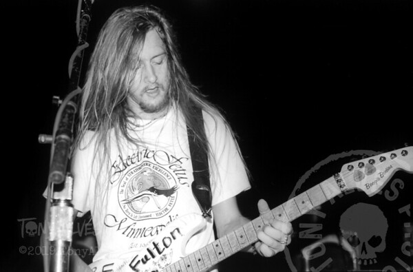 Alice-In-Chains-1990-10-23-BW_11