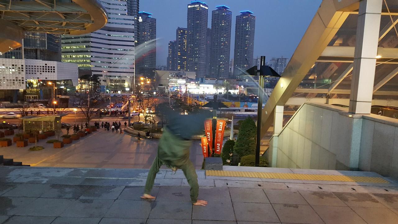 Armando Calderon - South Korea- Seoul -  I'park Mall