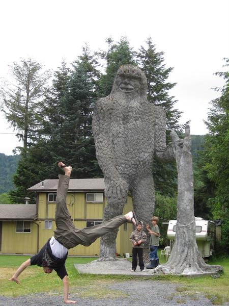 Andres Calderon - Big Foot Statue - Washington