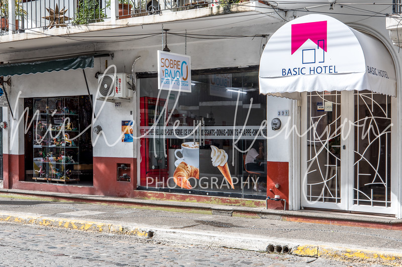 Sobre Y Bajo Puerto Vallarta_072219_02