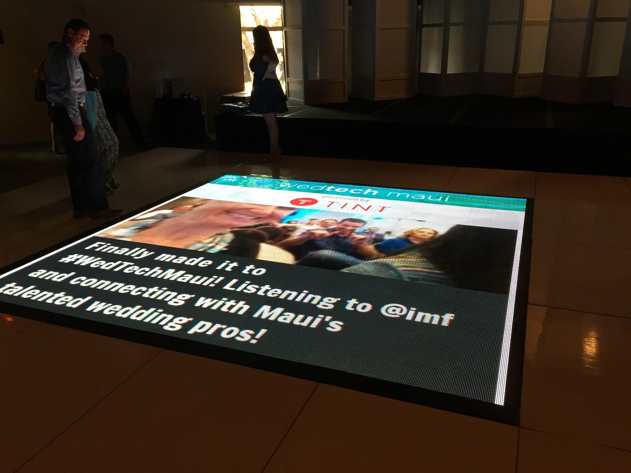 WedTech Maui Floor Screen