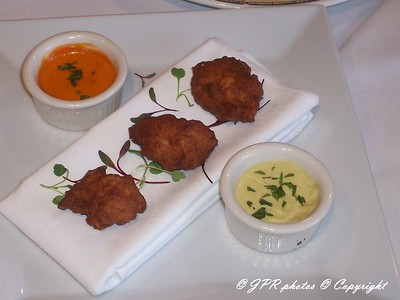 (12)Lobster fritters. Roast red pepper coulis and artichoke aioli dipping sauces.