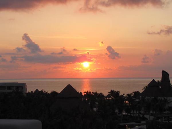 On our 2nd last morning we got up & watched the sunrise from our Balcony... what a great experience!!