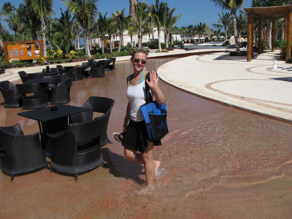 """There's Nancy showing off the """"water tables""""... a great way to stay cool during lunch! :-)"""