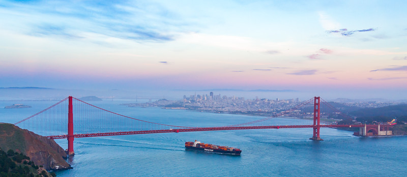 Containership Hapag-Lloyd Passes Under the Golden Gate