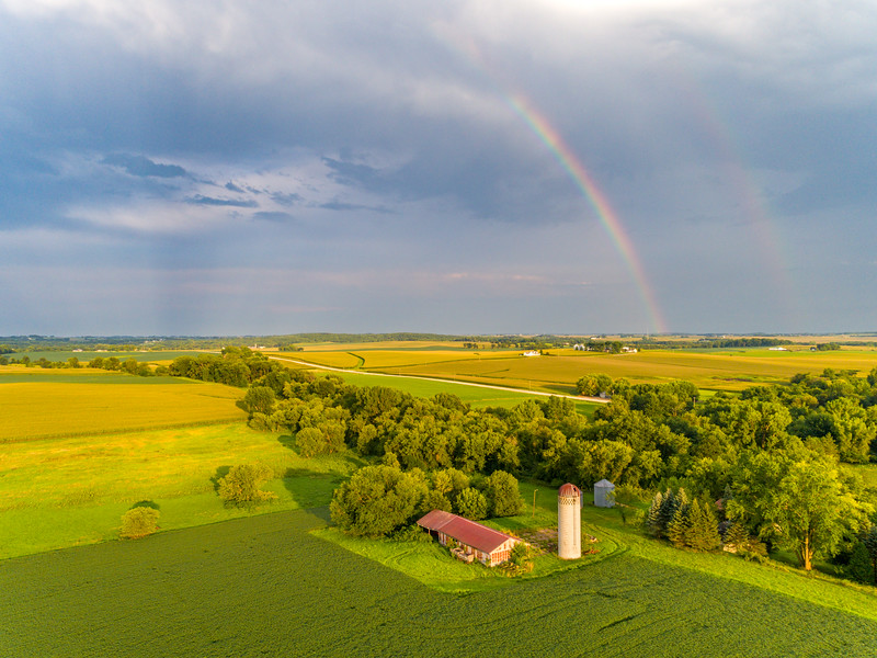 ‪Double rainbow over farm country