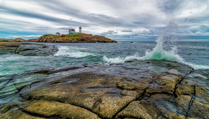 Nubble Light House with Waves