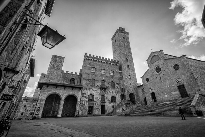 "The ""Manhattan of Tuscany"""