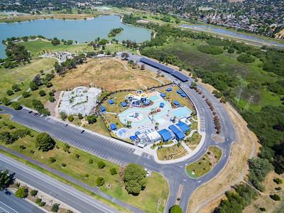 Aerial Scenery. Aqua Adventure Fremont Water Park (Right) & Fremont Skate Park (Left). Lake Elizabeth/Fremont Central Park - Fremont, CA, USA