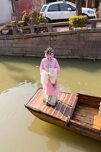 Chinese Opera Singer. Ping Jiang Road (平江路) - Suzhou, Jiangsu, China (苏州,江苏,中国)