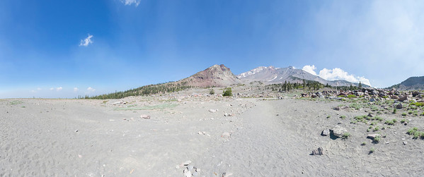 Panorama. Ski Bowl Trail. Shasta National Forest - Mount Shasta, CA, USA
