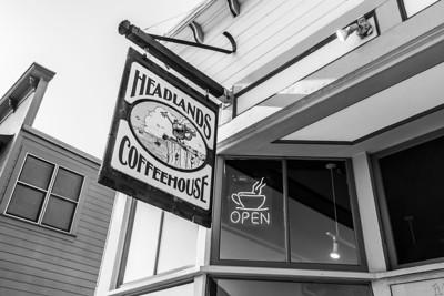 Downtown. Headlands Coffehouse. Fort Bragg, CA, USA