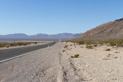Driving from Beatty, NV to Rhyolite Ghost Town.