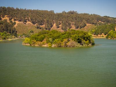 Live Oak Island. Lake Chabot Regional Park - Castro Valley, CA, USA