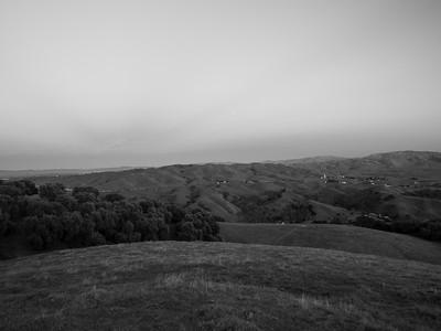Sunset. Sunol. Near Olive Grove Trail. Pleasanton Ridge Regional Park - Sunol, CA, USA