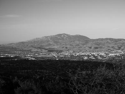Sunset. Mt. Diablo, Pleasanton, Dublin, and San Ramon. Near Ridgeline Trail. Pleasanton Ridge Regional Park - Sunol, CA, USA
