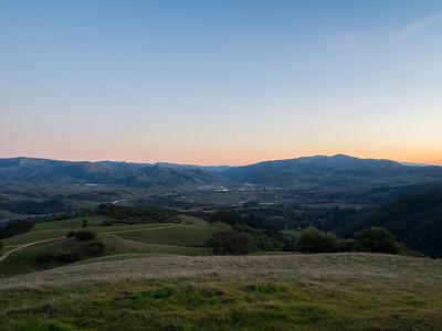 Sunset. Sunol & Interstate 680. Near Olive Grove Trail. Pleasanton Ridge Regional Park - Sunol, CA, USA