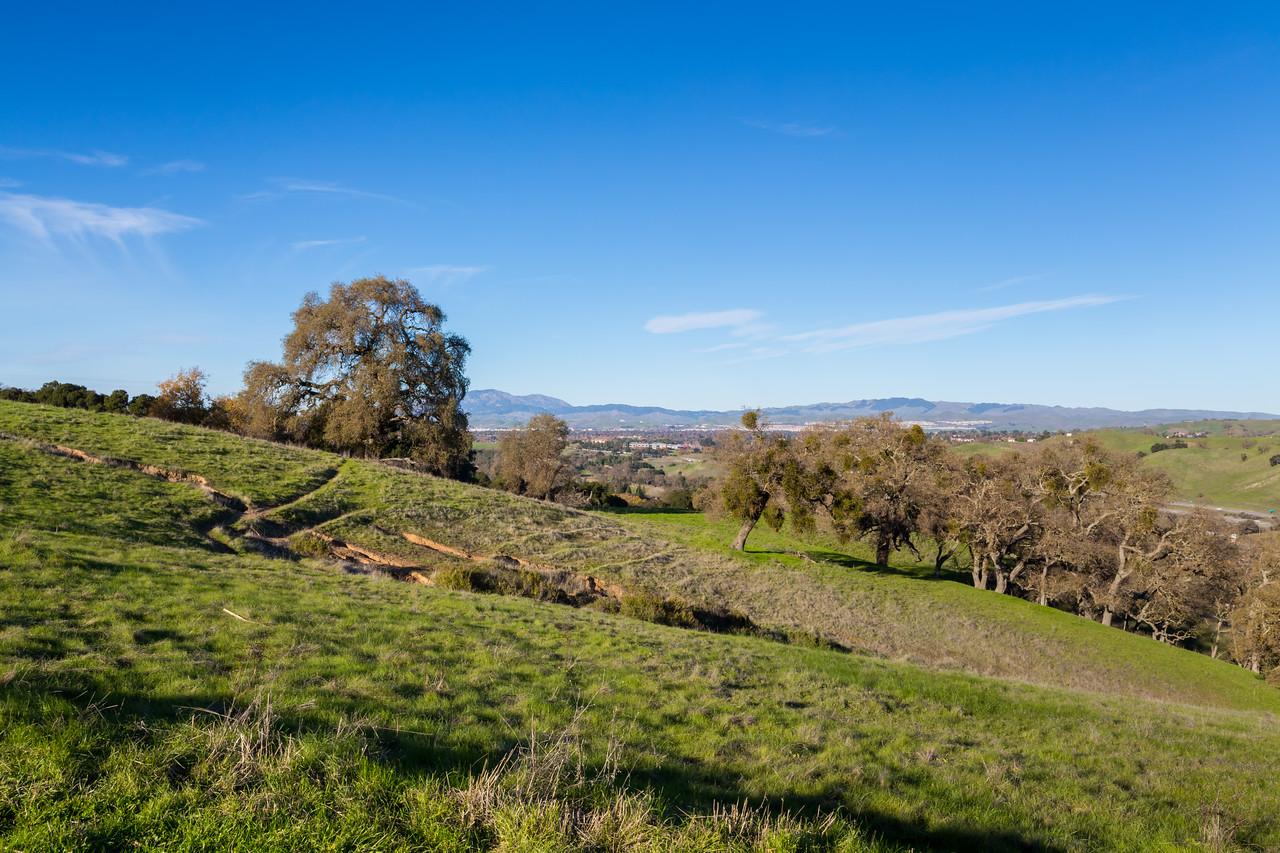 Interstate 680 (left), Pleasanton & Dublin (in the distance). Oak Tree Trail. Pleasanton Ridge Regional Park - Sunol, CA, USA