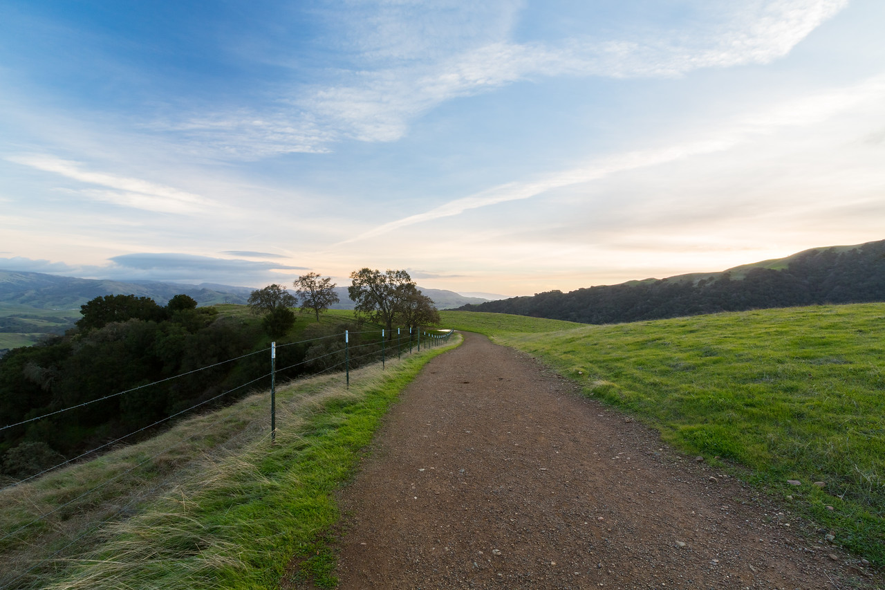 Sunset. Ridgeline Trail - Pleasanton Ridge Regional Park - Sunol, CA, USA
