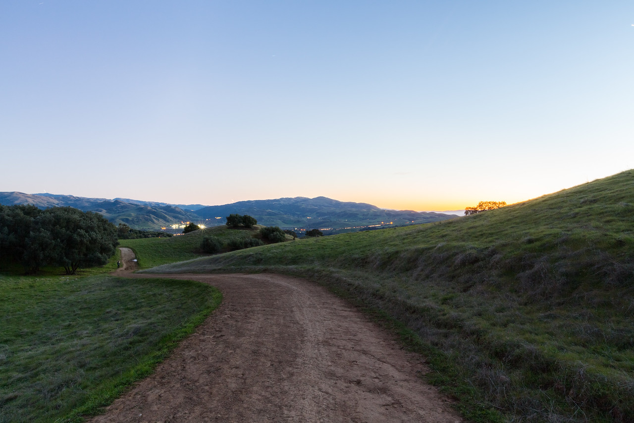 Sunset. Sunol (in the distance). Olive Grove Trail - Pleasanton Ridge Regional Park - Sunol, CA, USA
