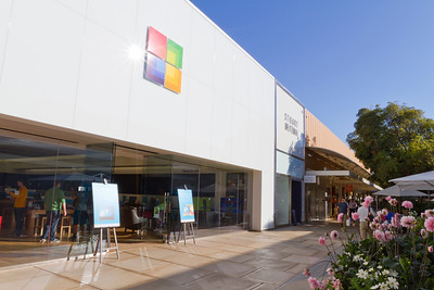 Microsoft Store next to Apple Store - Stanford Shopping Center - Stanford, CA, USA