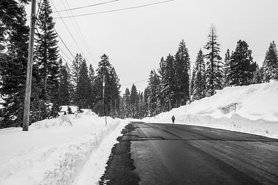 Snowstorm. Snowpeak Way - Truckee, CA, USA