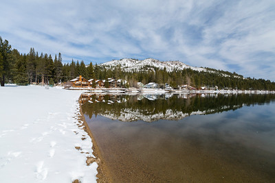 Donner Lake. Park on side of South Shore Drive - Truckee, CA, USA