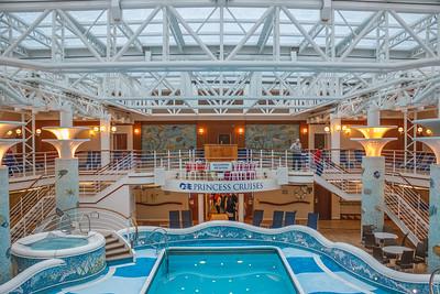 Grand Princess Pool